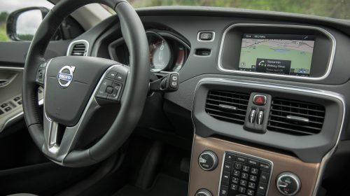 Front Seat, Leather-Clad Steering Wheel, Centre Console, Dashboard, Road and Traffic Information (RTI)